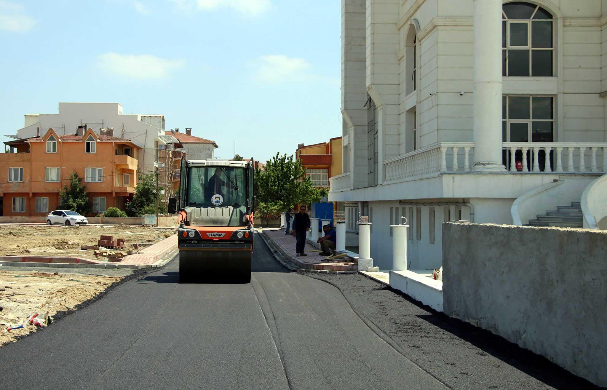 Marmarereğlisi Belediyesi yeni hizmet binasında çevre düzenlemesi tamamlanıyor