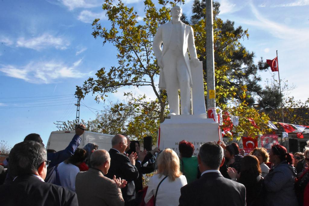12.Atatürk Anıtı Demirli Mahallesi'nde açıldı