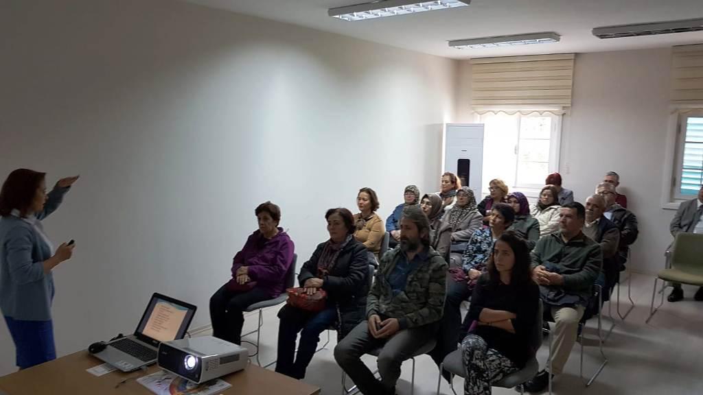 Alzheimer hasta yakınlarına yönelik bilgilendirme toplantısı düzenlendi