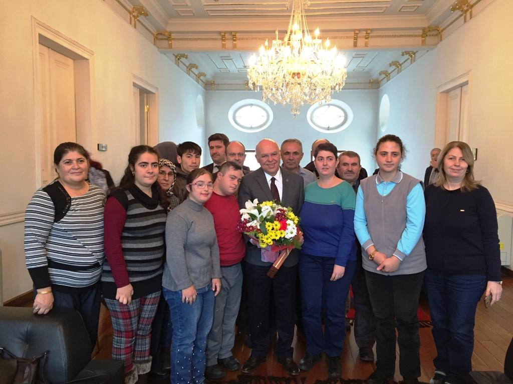 Engel tanımayan personeller Başkan Eşkinat ile buluştu