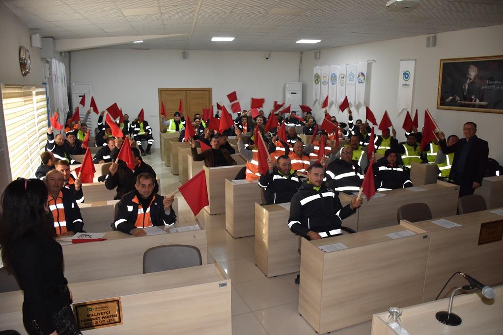 Büyükşehir Belediyesi Saha Personellerine Yönelik Trafik Eğitimi Düzenlendi