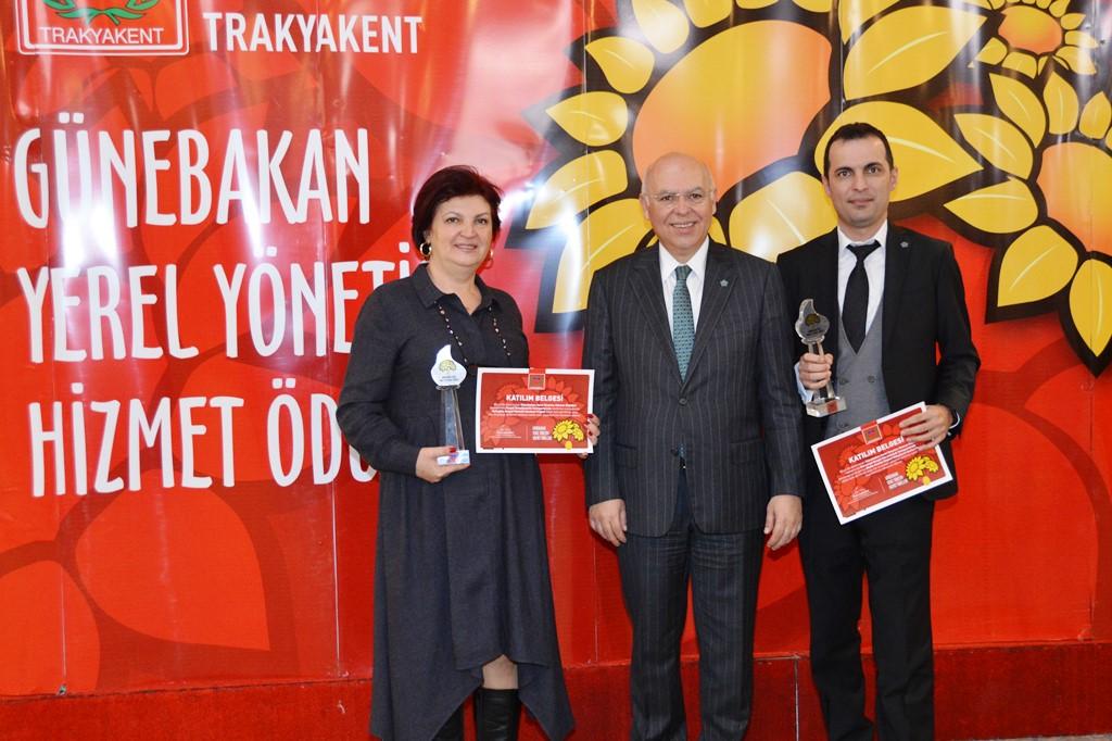 Süleymanpaşa Belediyesiprojeleri ile ödüle doymuyor