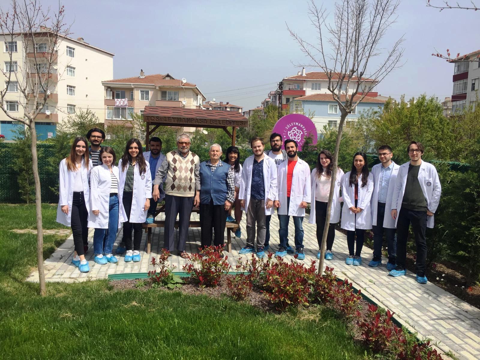 Alzheimer Gündüz Yaşam ve Sosyal Aktivite Merkezi tıp öğrencilerini ağırladı