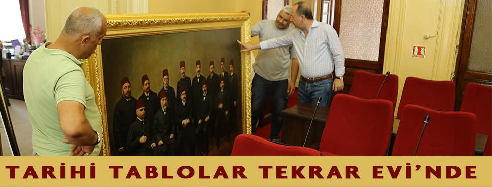 Tarihi tablolar tekrar evlerinde