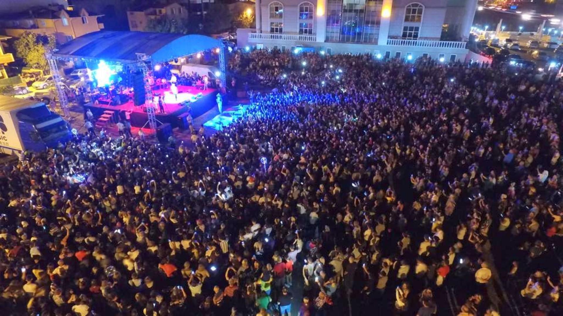 Marmaraereğlisi Yaz Şenlikleri'nde Cengiz Kurtoğlu Coşkusu