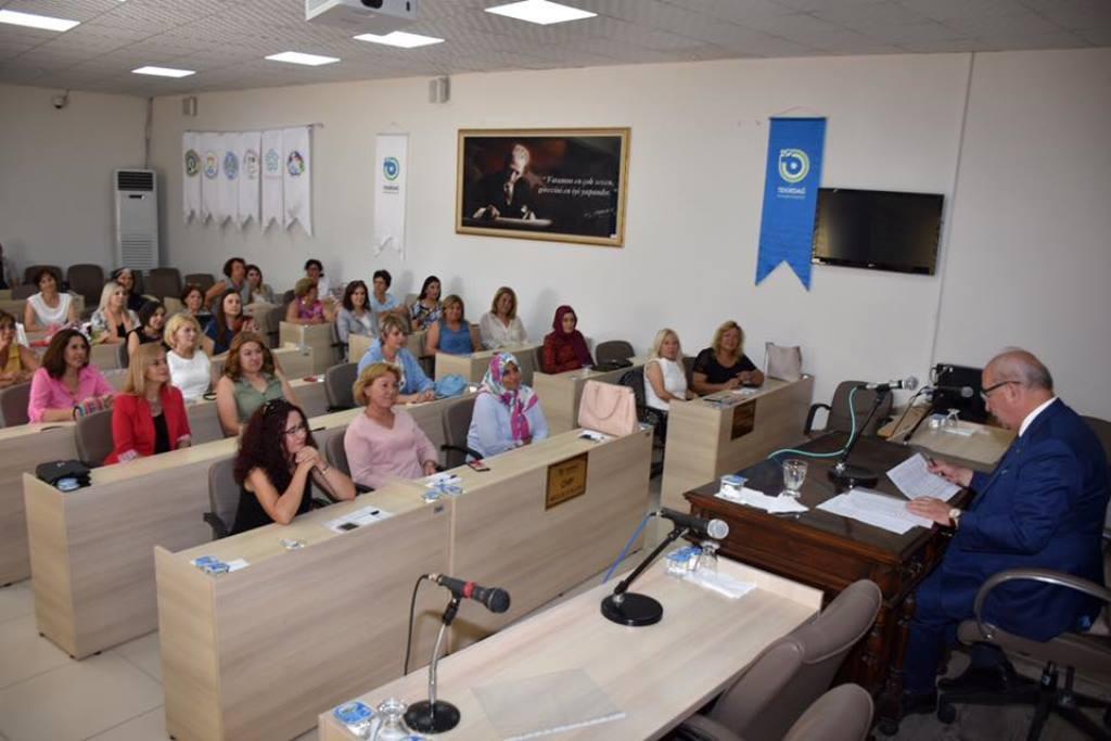 Başkan Albayrak Kadın Meclis Üyeleri ve Kadın Mahalle Muhtarlarıyla Bir Araya Geldi