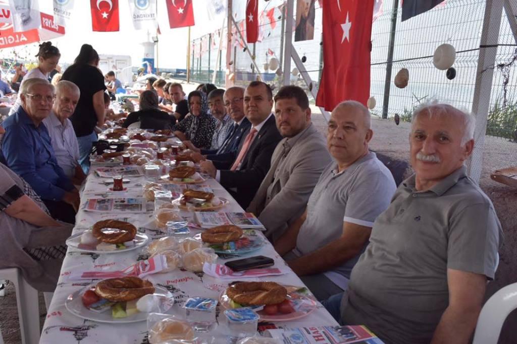 Başkan Kadir Albayrak Balıkçı Esnafıyla Kahvaltıda Buluştu