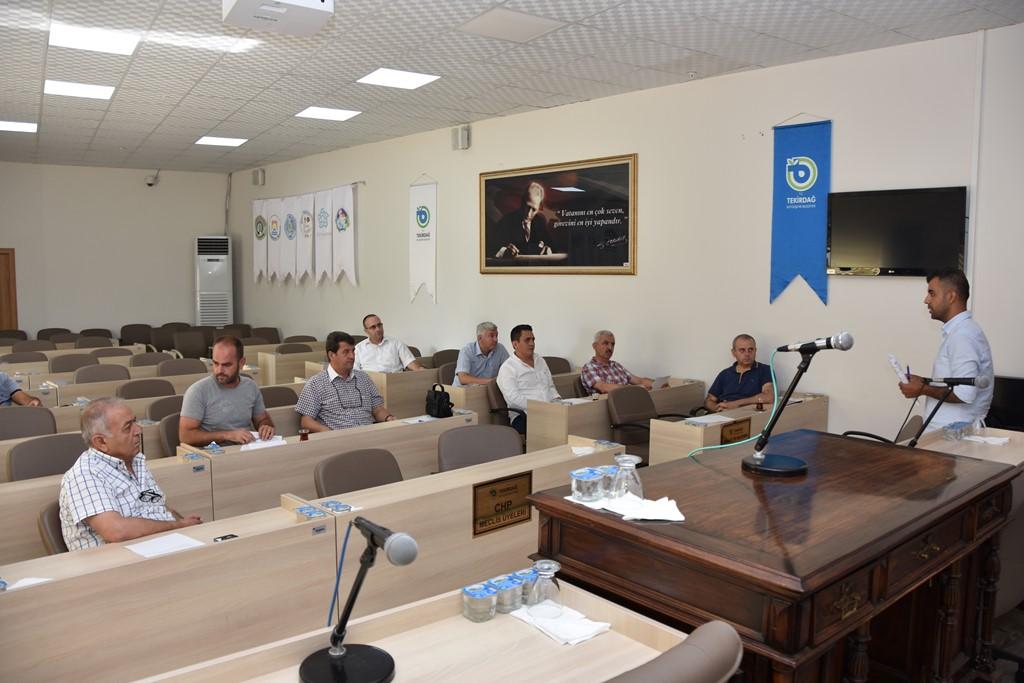 Tekirdağ Büyükşehir Belediyesi'nin Besicilere Kaba Yem Desteği Devam Ediyor