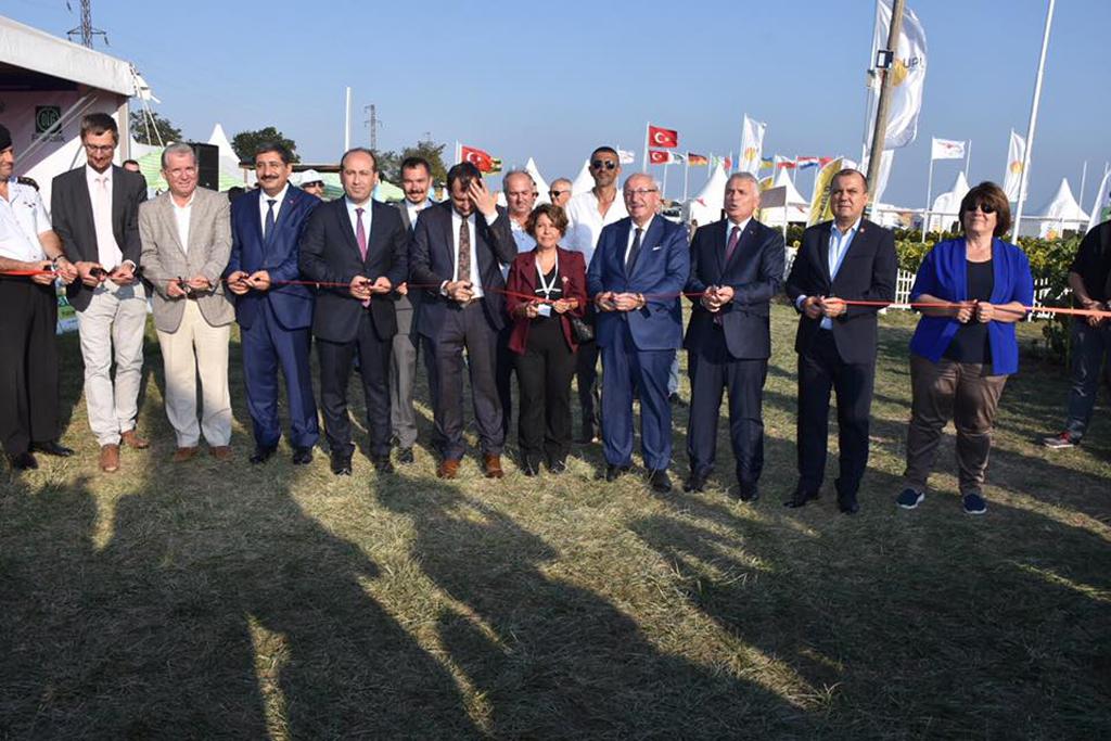 Başkan Albayrak Karaevli Tarım ve Teknoloji Fuarı Açılış Törenine Katıldı