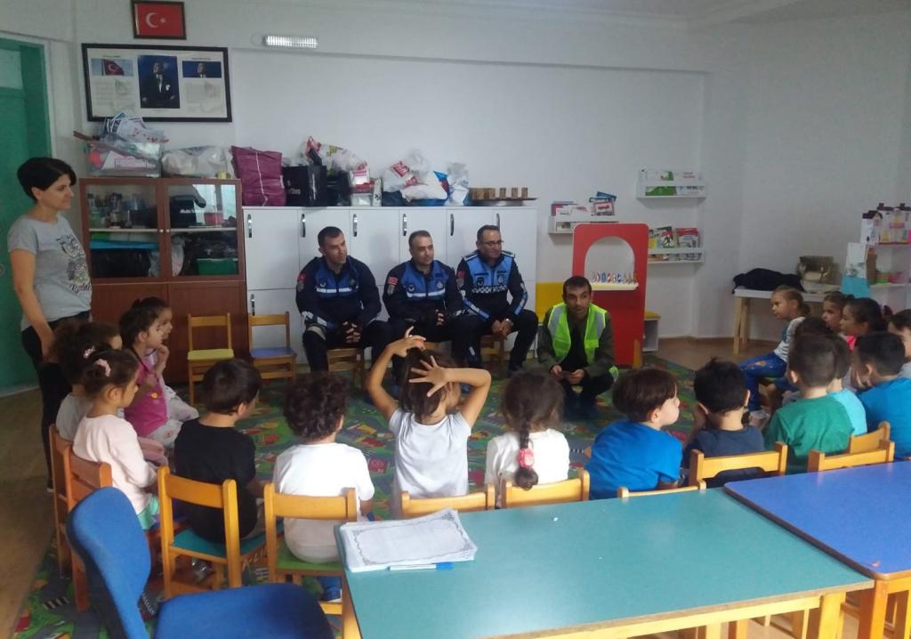 Büyükşehir Belediyesinden Anaokulu Öğrencilerine Trafik Eğitimi