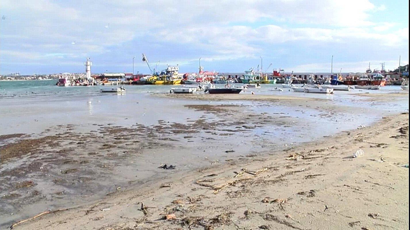 Marmaraereğlisi'nde Deniz Yaklaşık 15 Metre Çekildi