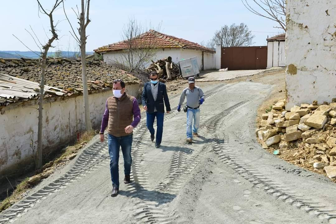 Başkan Yüksel kırsal mahallelerdeki çalışmaları yerinde inceledi