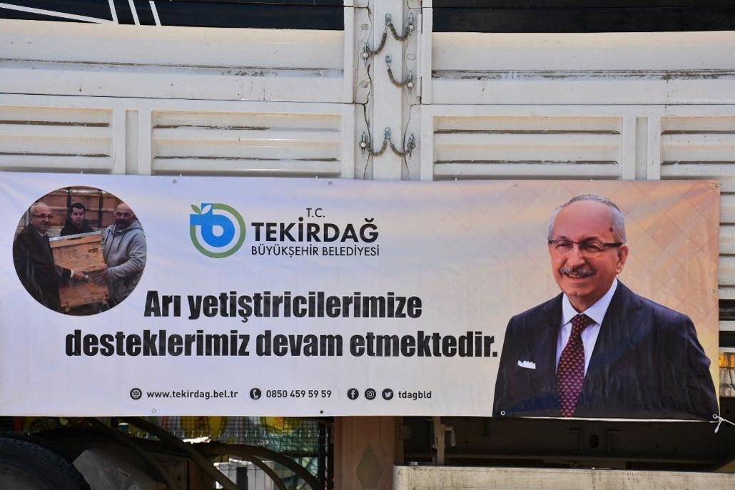 Büyükşehir Belediyesi Çerkezköy'de 234 Adet Kovan Dağıtımı Gerçekleştirdi