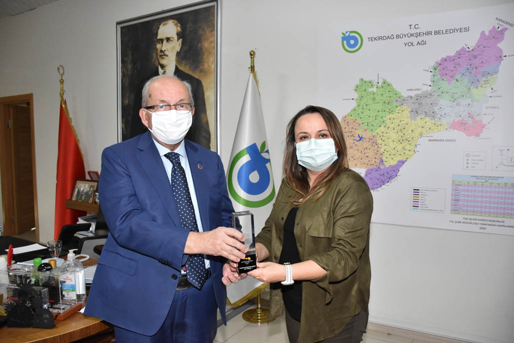 Afet Yönetimi Kategorisinde Kazanılan Altın Karınca Ödülü Başkan Albayrak'a Teslim Edildi