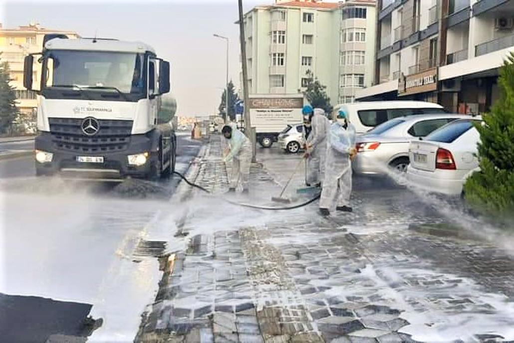 Özel ekipler Süleymanpaşa'yı karış karış dezenfekte ediyor