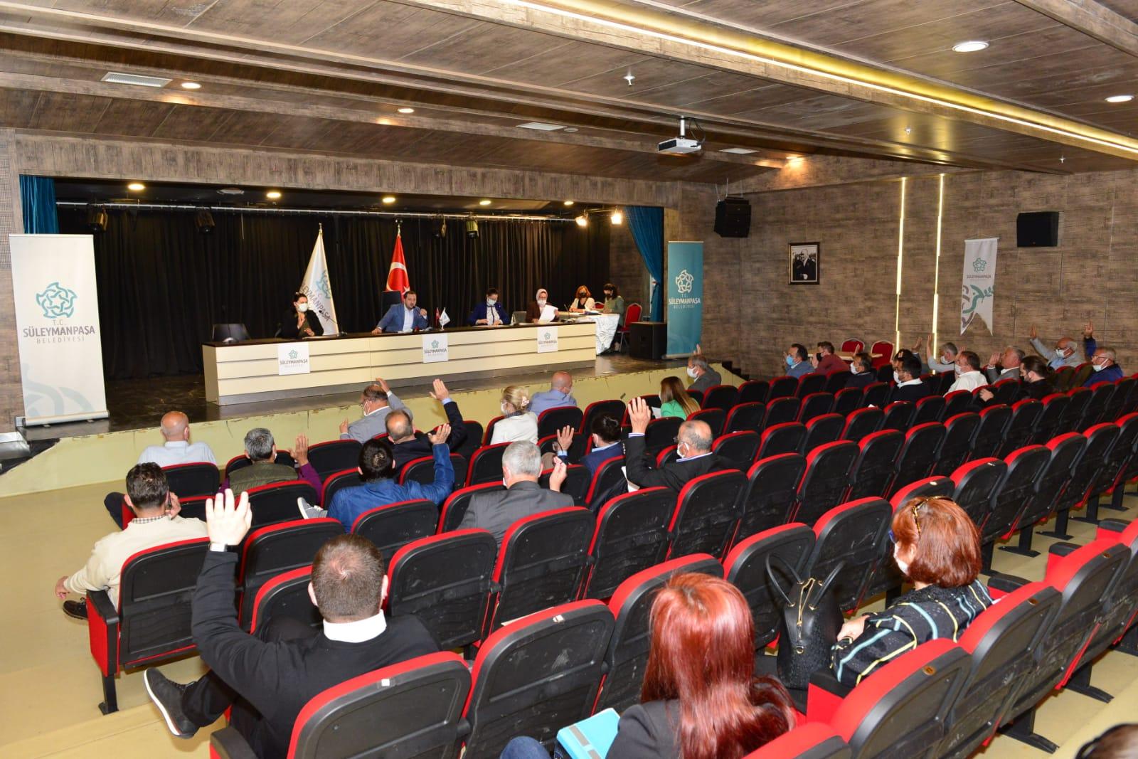 Süleymanpaşa Belediye Meclisi, küçük esnafa destek gündemiyle olağanüstü toplandı